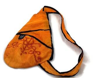 Back small orange, black bag