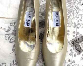 "PANCALDI Classic Heels, Leather Pumps, Ecru Cream, Pointed Toe, 2"" Heel, Sz 8 B 41, Wedding, Bridal, Italy, Neiman Marcus Vintage, With Box"