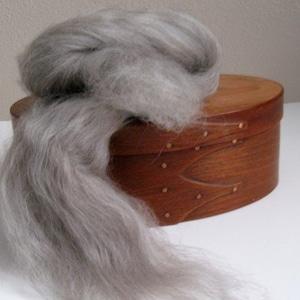 Ecru/Undyed/Natural Swirl BFL / Silk wool roving blend (combed top), spinning fiber - 8 ounces