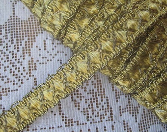 3 Yards Fancy Metallic And Fabric Sewing Trim In Pale Gold
