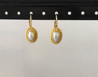 Pearl and gold rope earring