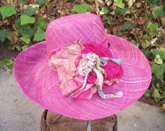 Lilac Medium Brim Linen Straw Hat with Crocheted Corsage