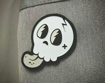 Enamel pins - Skull Pin - Glow in the dark