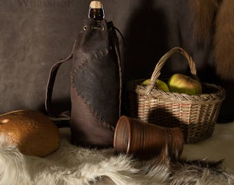 Leather Bottle Holder Medieval Style / Viking Style / The Whiskey / Wine Case / Wine Carrier / Scotch, Bourbon, Whisky, Wine