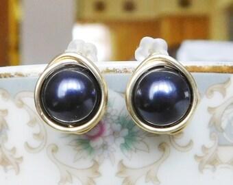 Dark Purple Stud Earrings , Bridesmaid Earrings , Purple Pearl Studs , Swarovski Pearl Studs