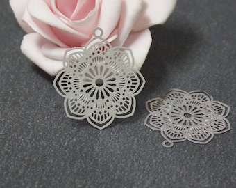 X 4 prints of 29 x 27 mm EST05 stainless steel flower