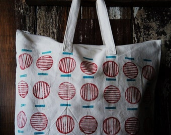 Zip Tote Bag Red Circles