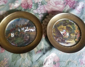 Set of two plates with cottages