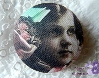 Fabric button, retro girl, 0.86 in photo / 22 mm