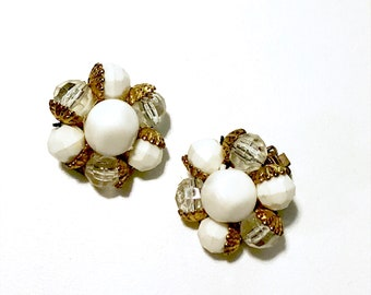 1960s Vintage Cluster Earrings / White Retro Statement Earrings / Clip On Earrings