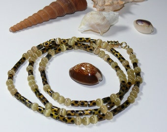 Animal Print Glass Beads with Round Cats Eye Beaded Necklace with Magnetic Closure