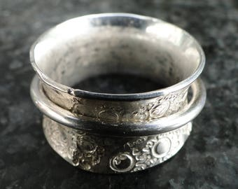 Big size Silver Swing Ring size 21. Free shipping within the Netherlands.