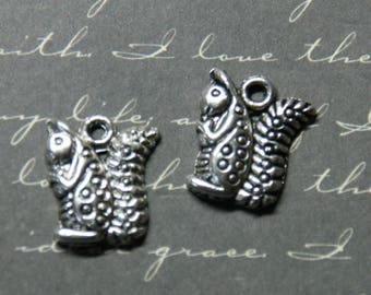 2 charms 16x13mm silver squirrel