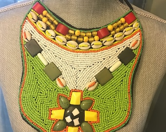 Beaded necklace plate