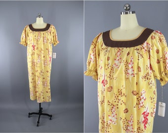 Vintage 1960s Dress / 60s Hawaiian Print Dress / Caftan Dress / Aloha Dress / Yellow Floral Print