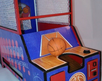 Dollhouse miniature working basketball shooting machine, with sound, score and lights, 1/12 scale