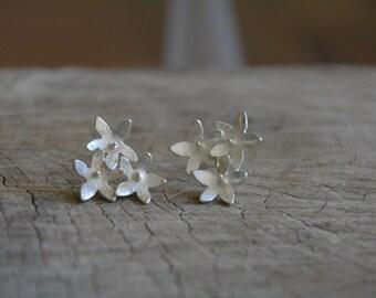 Silver flower studs, flower stud earrings, small flower earrings, silver flower earrings, flower earrings studs, everyday earrings