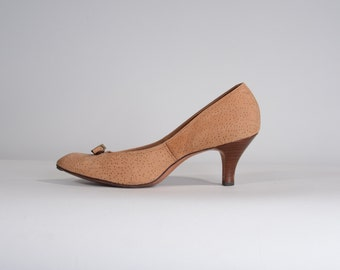 Vintage 1960s Cork Suede Shoes - Tan Life Stride 1970s - Size 8 N or 7