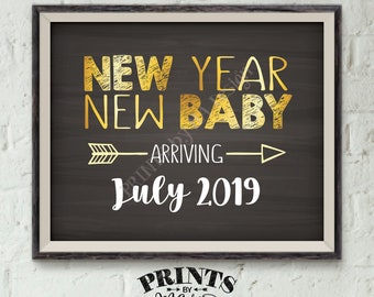 "New Years Pregnancy Announcement, Expecting in 2019, New Year New Baby in 2019, Chalkboard Style PRINTABLE 8x10/16x20"" Pregnancy Reveal Sign"