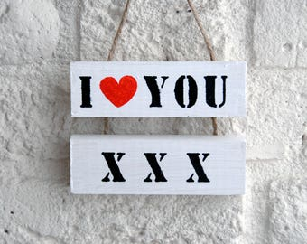 Wooden text board' i love you
