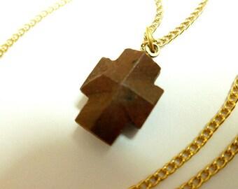 FAIRY STONE Cross Pendant, Vintage Fairystone Cross with Goldtone Neck Chain, Stone Cross, Cross Necklace, Petite Cross, Staurolite Stone
