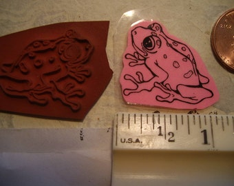 frog one inch size  a rubber stamp un-mounted scrapbooking rubber stamping froggie