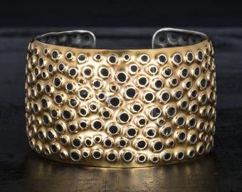 Gold cuff bracelet, perforated 22K bimetal.