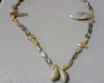 19 inch sea shell necklace