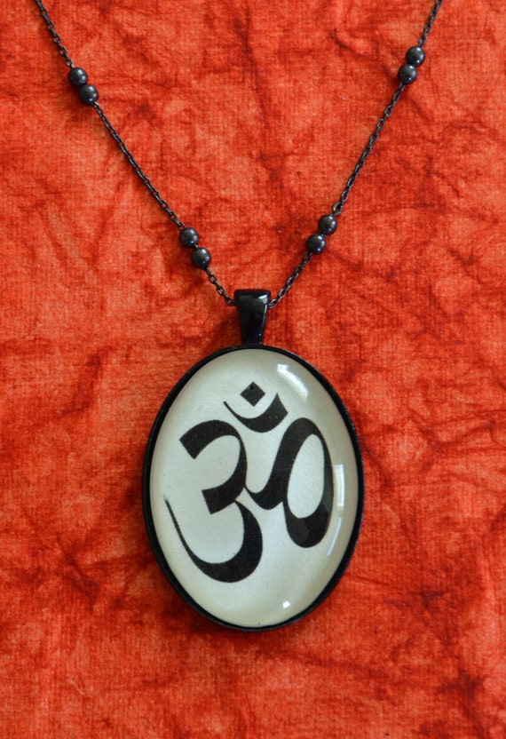 Om Symbol Necklace Pendant On Chain Silhouette Jewelry