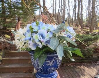 SPRING FLORAL ARRANGEMENT  Pottery with Flower Arrangement
