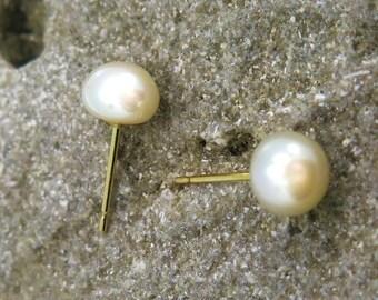 Gold Pearl Earrings, Pearl Studs, Pearl Stud Earrings, White Pearl Earrings, 14K Gold Earrings, Solid Gold Earrings, Gold Studs, Spring Sale