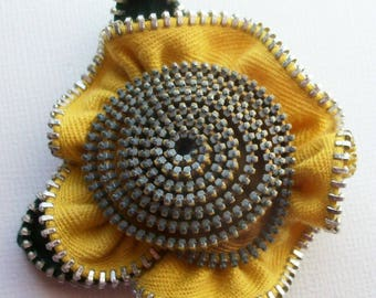 Yellow and Gold Floral Brooch / Zipper Pin by ZipPinning 3088