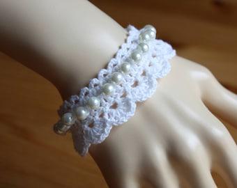 Crochet Bracelet With Pearls