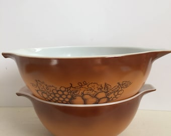 Vintage Pyrex Old Orchard / 1970s Set of 2 Pyrex Cinderella Bowls / Retro Mixing Bowls / Nesting Bowls Ombré Brown, Golden Color