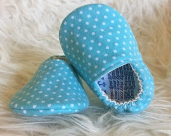 Baby Moccs: Flannel Polka Dots / Baby Shoes / Baby Moccasins / Childrens Indoor Shoes / Vegan Moccs / Soft Soled Shoes / Montessori Shoes