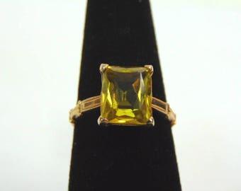 Vintage Estate 14K Yellow Gold Ring w/ Tourmaline Stone ? 2.6g #E3262