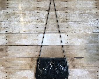 vintage / la regale ltd / black chain purse.