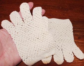 Vintage Child's Ivory Crochet  / Crocheted Gloves 1950s