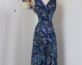 1970s Dress - Vintage A-line Navy Floral Maxi/Midi Dress - Medium - Floral Print - Sleeveless - V-Neck - Groovy Boho 70s Dress