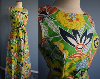 Vibrant Vintage 1960's Green Graphic Floral Print Sleeveless Belted Gordon of Philadelphia Maxi Dress 12
