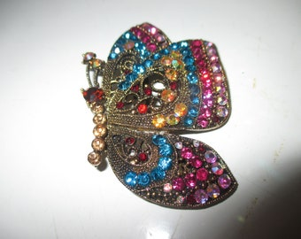 STUNNING Vintage BUTTERFLY Pin BROOCH Gold Tone MULTi CoLoR Pink Blue Yellow Red