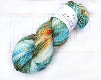 Calypso Island - Hand Dyed Yarn - Variegated Yarn -  Sock yarn - Norwegian wool