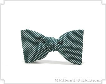 The Fairway - Green and White Pinstripe Freestyle Bow Tie
