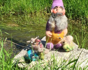 Needle felted gnome, gnome felted, wool gnome, enchanted forest, felted spring, felted pixie, felted woodland, fantastic creature