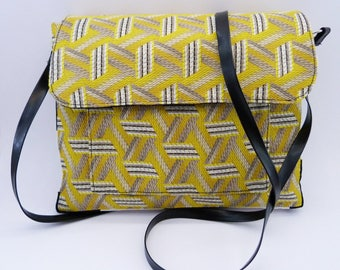 Hand bag, small yellow, black and white