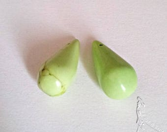 Set of 2 or 4 pearls drops in light green dyed coral