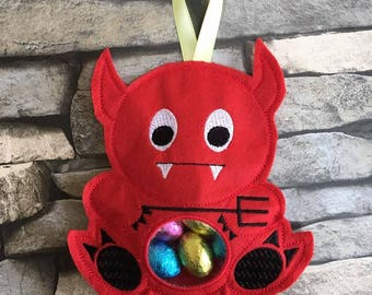 Machine embroidery design, Devil, Treat bag, money bag, in the hoop, ITH, 5 x 7, Halloween, treat holder