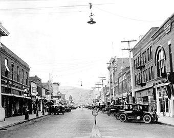 "1935 Main St, Klamath Falls, Washington Vintage Photograph 8.5"" x 11"" Reprint"