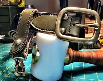 "Sedgwick English Bridle Custom 1.5"" Belt, Black and Olive Green."