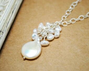 Pendentif perle collier de mariée, Nugget perles, Collier goutte dos Cluster, mariage sur la plage de collier perle mariage, mariage élégant du cluster